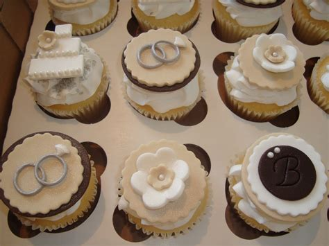 Engagement Cupcakes cupcakes by dusty engagement