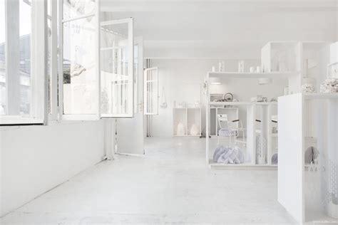 whitening shoo le white parisian concept store