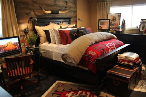 Western Bedroom Designs Paint Colors And More For Cozy Western Southwestern Master Bedroom