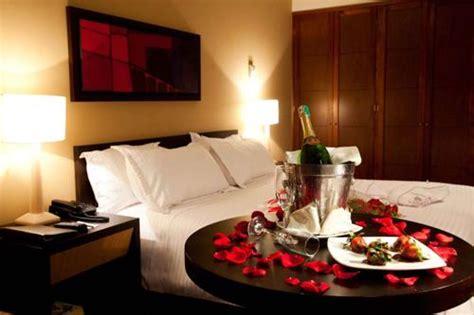 ideas para decorar habitacion de hotel romantica como organizar y decorar la noche de bodas