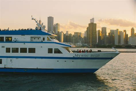 party boat rentals chicago il chicago boat rental sailo chicago il motor yacht boat 7745