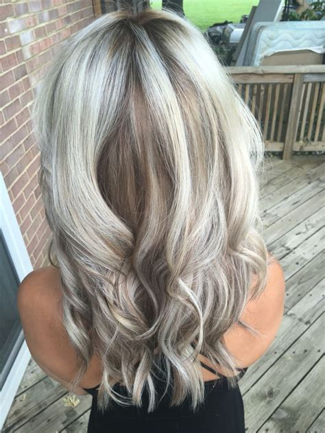 how to low light gray hair silver metallic blonde with caramel smudge low light