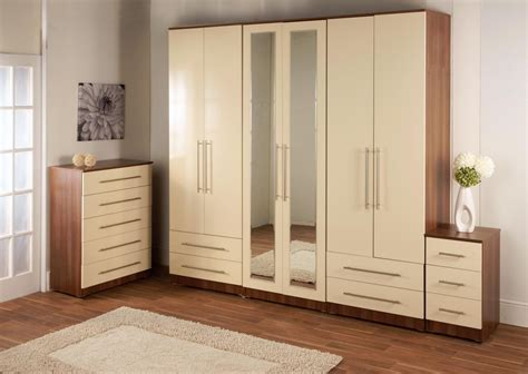 Cupboard Design For Bedroom by Bedroom Cupboards Bedroom