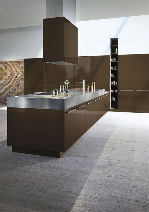 timeless italian kitchen wrapped  chic elegance  snaidero