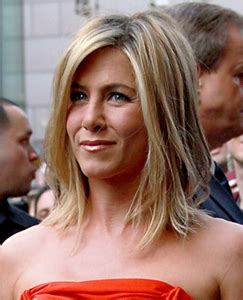 is highlighted hair dated jennifer aniston gushes over new boyfriend on good morning