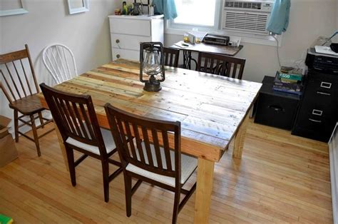 Dining Room Table Made From Pallets 58 Diy Pallet Dining Tables Diy To Make