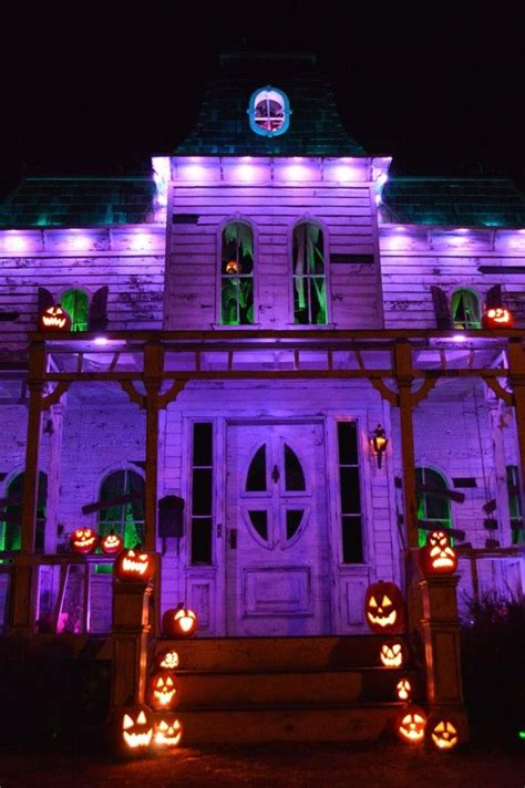 Haunted House Decor by Best 20 Haunted House Decorations Ideas On