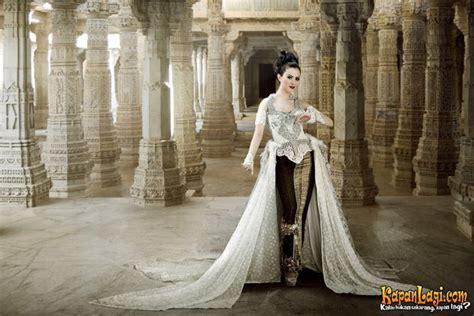 Baju Pesta Ratnasari 30 model kebaya modern artis untuk pesta wedding gebeet