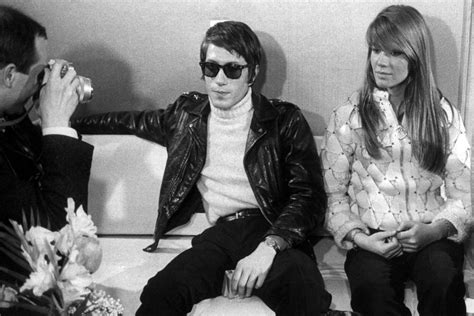voila francoise hardy wiki fran 231 oise hardy jacques dutronc muses lovers the