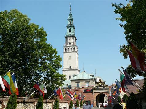 turisti per caso cracovia in polonia per caso viaggi vacanze e turismo