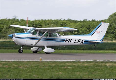cessna 172p skyhawk roc flight center lelystad aviation photo 1103952 airliners net