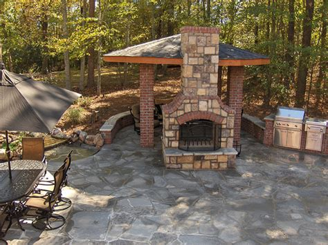 flagstone the best material for pavement landscaping