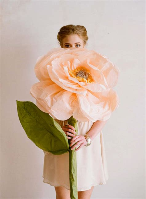 How To Make Big Tissue Paper Flowers - presse papiers paper flowers diy