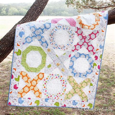 quilt pattern hugs and kisses download this free quilt pattern hugs kisses featuring