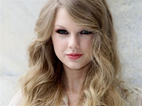 Taylor Swift Hair | taylor swift s bikini beach day in australia photo