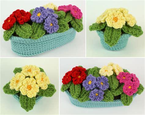 pattern of flower pot primroses in pots crochet pattern by planetjune