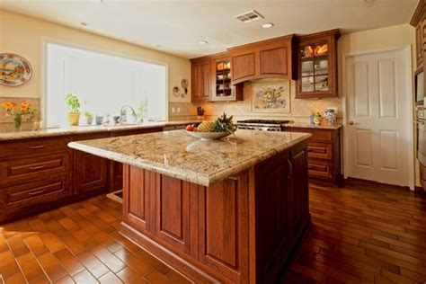 backsplash to match cherry cabinets what color granite countertop to match kitchen and