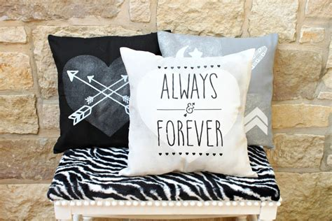 Make Accent Pillows Diy Accent Pillows With Iron On Transfers Morena S Corner