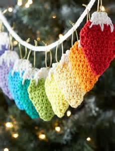 lily holiday lights garland crochet pattern yarnspirations