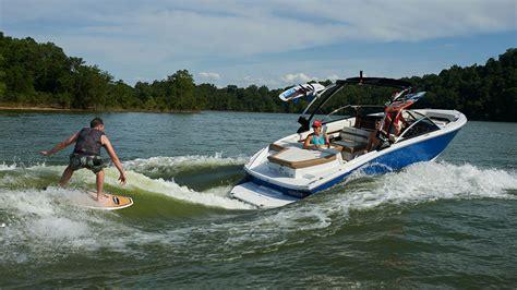 best wake boat of 2018 2018 cobalt cs23 surf top speed