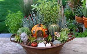 Garden Answer Learn How To Make This Fall Garden Container