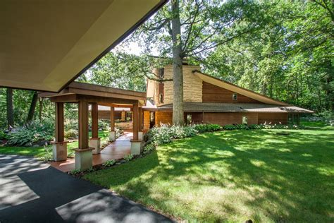 frank lloyd wright inspired homes wisconsin modern frank lloyd wright inspired home