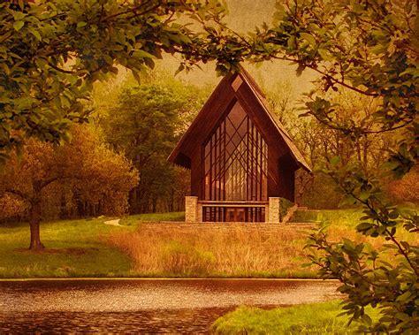 powell gardens lights the glass chapel at powell gardens kansas city missouri