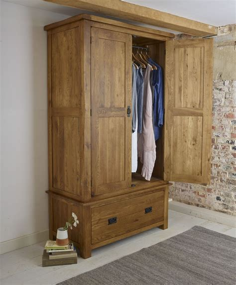 Solid Wood Built In Wardrobes by 1000 Ideas About Pine Wardrobe On Dulux