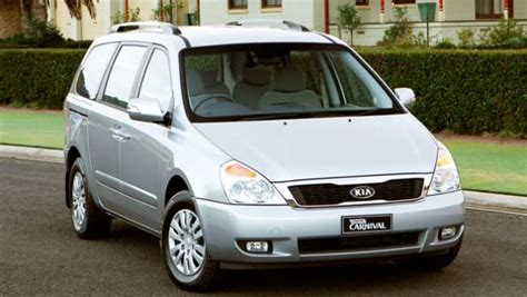 Kia Grand Carnival Kia Grand Carnival 2010 Review Carsguide