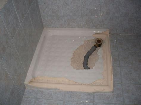 cambiare piatto doccia sostituzione sifone piatto doccia idraulico fai da te