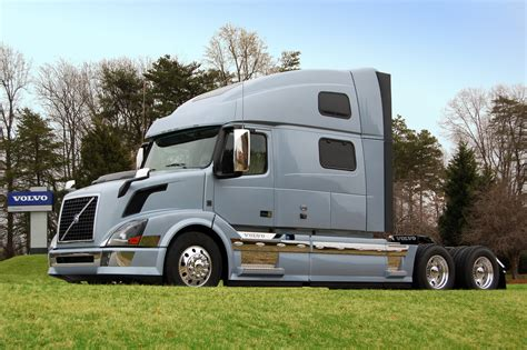 volvo truck 2011 volvo announces powertrain enhancements