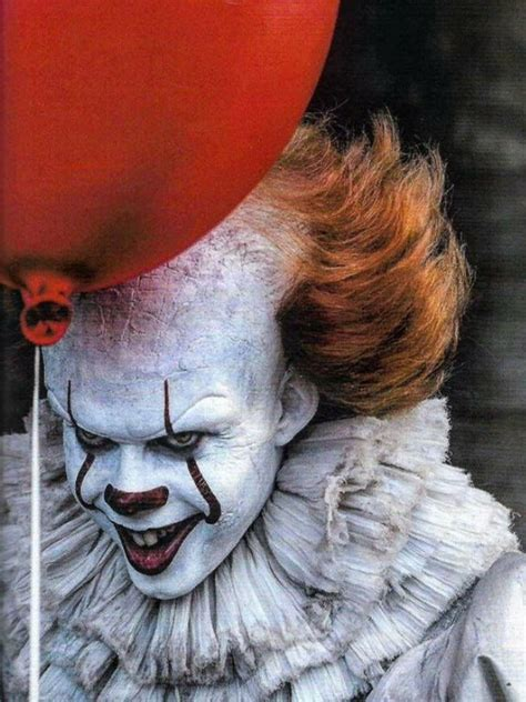 special feature 8 of the scariest horror movies made for the new pennywise halloween pinterest horror creepy