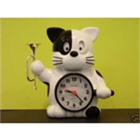 vintage alarm clock cat with bugle by rhythm working 09 02 2007