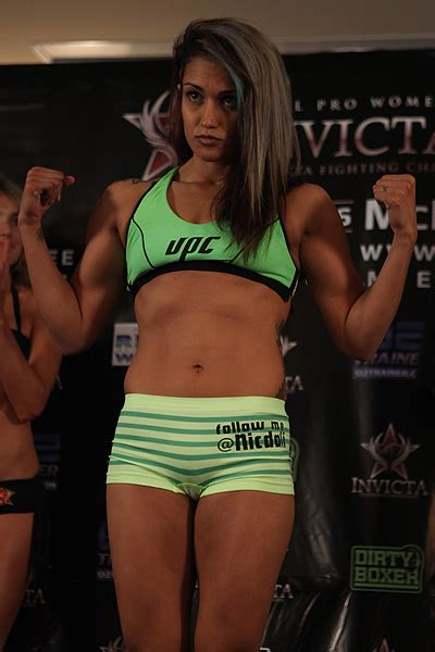 female mma fighter cameltoe 25 worst cameltoes in the history of women s mma