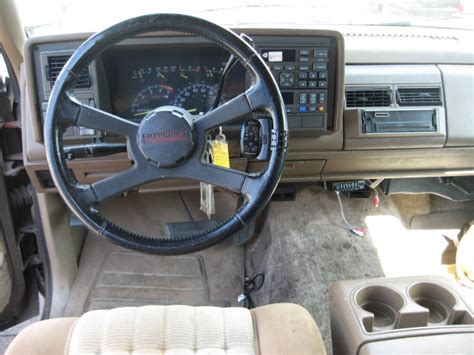94 Chevy 1500 Interior by Chevrolet 1500 Silverado Suburban Photos Reviews News