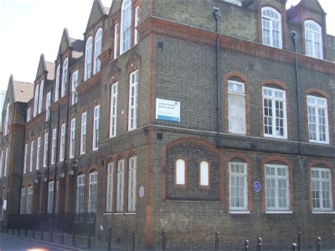 charles dickens biography middle school charles dickens primary school