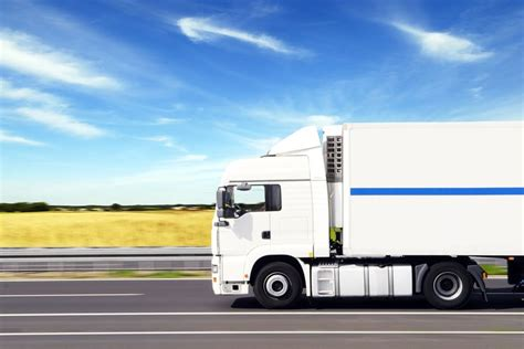 cheapest truck rental 1000 ideas about moving truck rental on