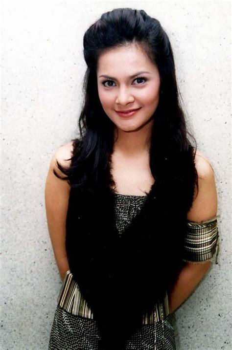 celeb indonesia down load potong cut tari and ariel peterpan leaked hotel room indonesian