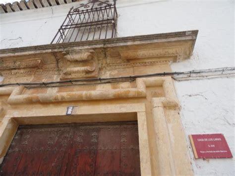 casa de las laras letrero de la casa de los laras la villa de don fadrique