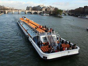 bateau mouche stations which metro station do i need for famous paris sights