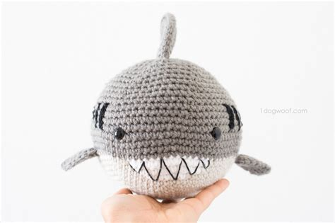 amigurumi shark pattern 18 free amigurumi crochet patterns