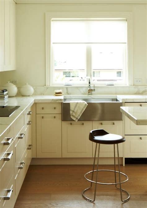 Lucite Pulls   Contemporary   kitchen   Cameron MacNeil