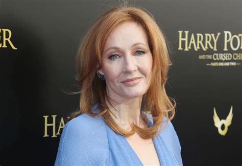 j k rowling on harry potter j k rowling on the quot harry potter quot chapter she rewrote