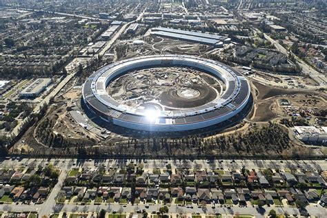 House Architecture Design Online by Stunning Footage Reveals Development Of Apple S New Campus