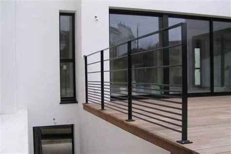 moderne zäune metall garde corps d ext 233 rieur en m 233 tal 224 panneaux en verre