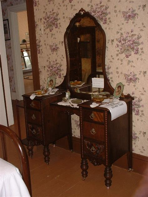 antique bedroom vanity with mirror museum