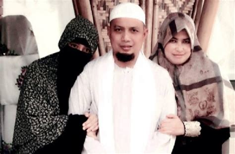 biografi ustadz arifin ilham ustadz arifin ilham jangan main main dengan poligami