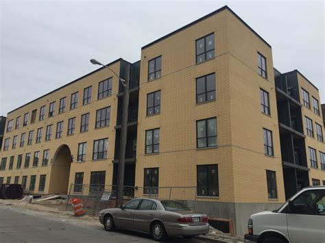 river house apartments eyes on milwaukee inside the river house apartments 187 urban milwaukee