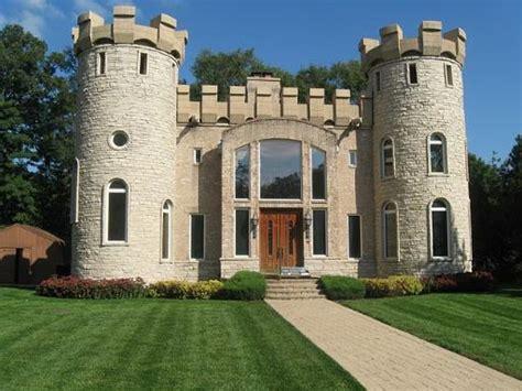 castle house nice digs lancelot