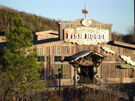 fish house branson mo a floating restaurant on lake taneycomo quot the fish house